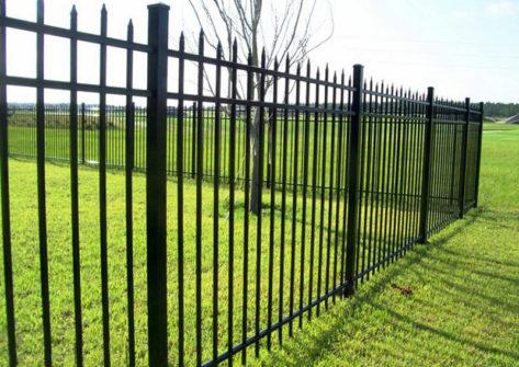 забор из профильной трубы в Уфе