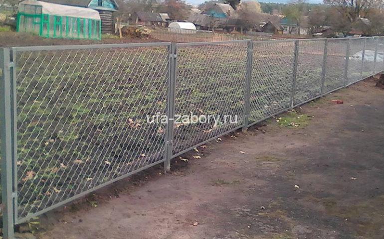 забор из сетки рабицы под ключ